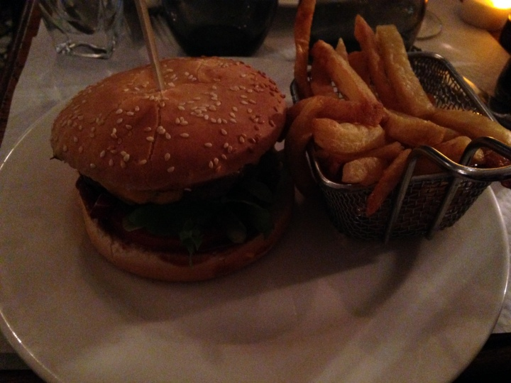 cheeseburger 158 Coté Piscine