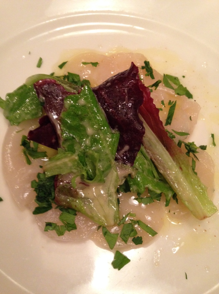 carpaccio de saint-jacques sauce citron - le gorgeon
